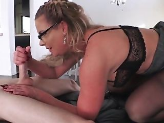 Mature with curvy ass gets young boy to fuck her big time