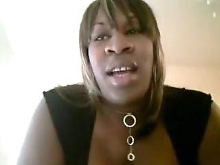 Negra transex amatoriale grassa e porca