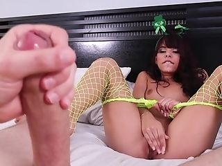 Deep penetration sex with home alone Gina Valentina