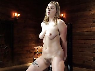 Gorgeous blonde uses the fucking machine for the first time