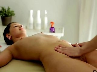Liona looked so good that her masseur simply had to poke her pussy