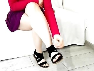 Foot fetish candid feet playing with her sexy sandals Hot bored and showing her feet