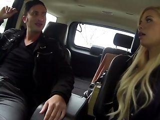Bosomy blonde damsel Bibi Noel banged well in dude's car