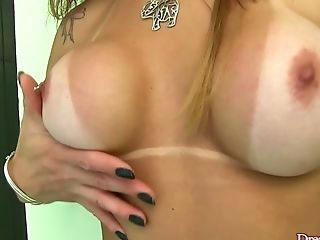 Sizzling hot transsexual whore Fernanda Christine loves showering on cam