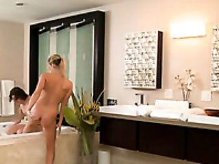 Busty fair haired harlot Heather Starlet sucks horny man off when taking foaming bath