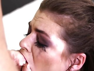 Kendra Lynn enjoys a mouthfucking session with a hot hunk