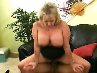 This mature slut is one of the thickest sluts around and she loves a wild fuck