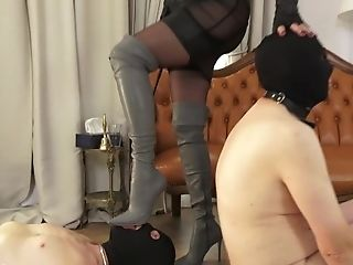 Boots Worship Session in the famous House of Sinn